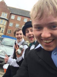 simon-dean-jay-parade-selfie
