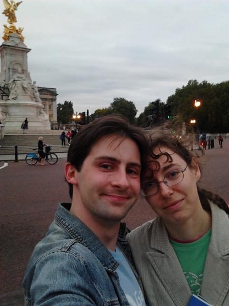 jay-amelia-queen-victoria-memorial