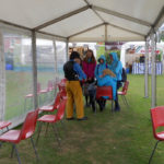 sheltering-from-rain-llangollen-eisteddfod